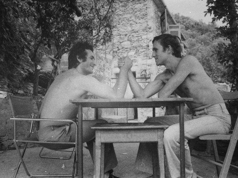 Alighiero Boetti e Salvo – Vernazza, 1969, Foto di Anne Marie Sauzeau