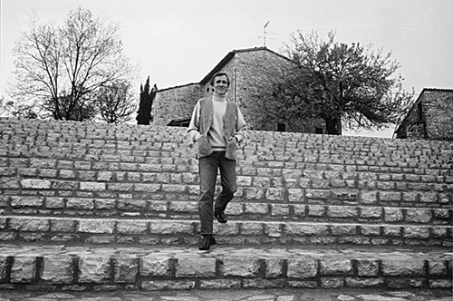 AB on the Todi's stairs, 1990