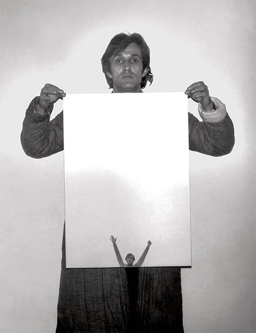 Alighiero Boetti, 1978, photo by Paolo Mussat Sartor