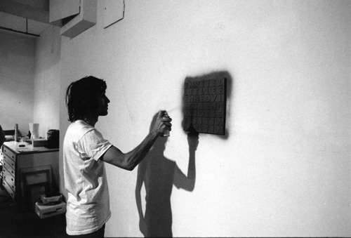 AB while spraying Millenovecentosettanta, 1970, photo by Giorgio Colombo