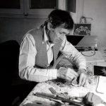 Alighiero Boetti nel suo studio, 1993 – foto Giorgio Colombo