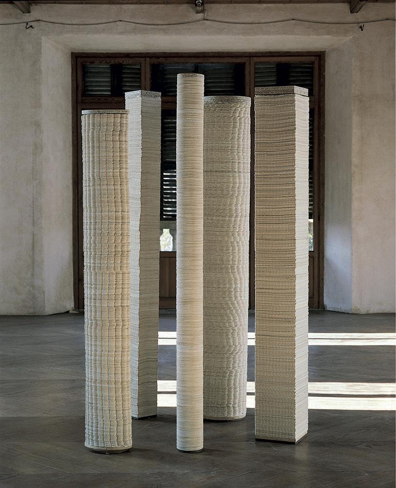 Colonne, 1968, 5 elementi, 183x27,3x18,2cm, 196,7x24x24cm, 201,3x16x16cm