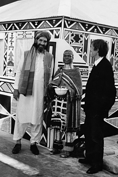 "Inauguration of ""I magiciens de la terre"" at the Center Georges Pompidou in Paris. AB with Sufi Barang and Esther Mahlangu, courtesy André Magnin"