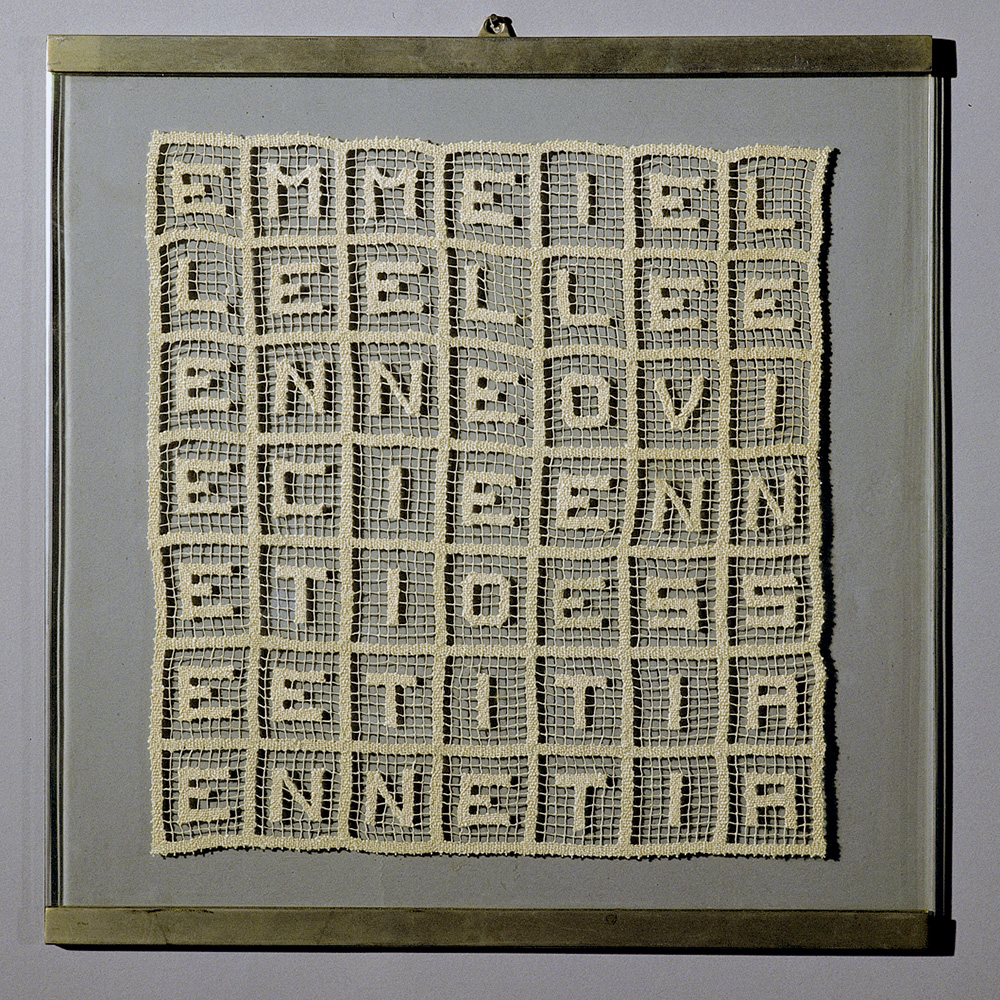 EMME I ELLE ELLE E...1970, pizzo a filet, 27x27cm