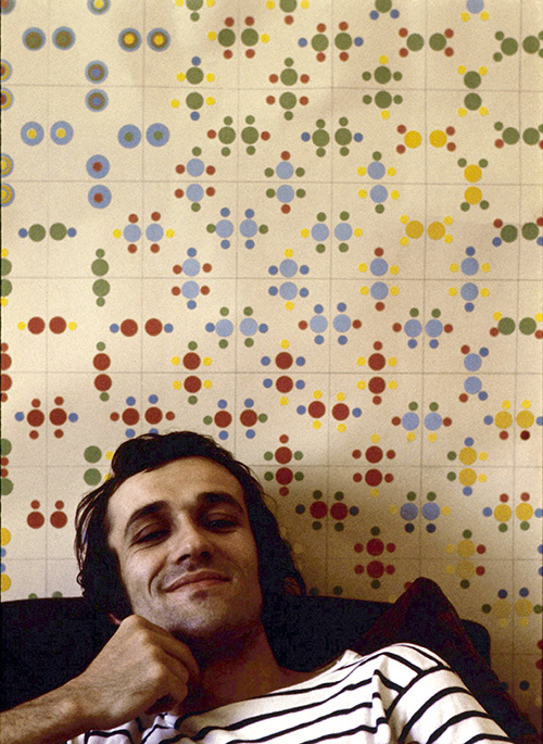 Alighiero Boetti, 1970, photo by Paolo Mussat Sartor