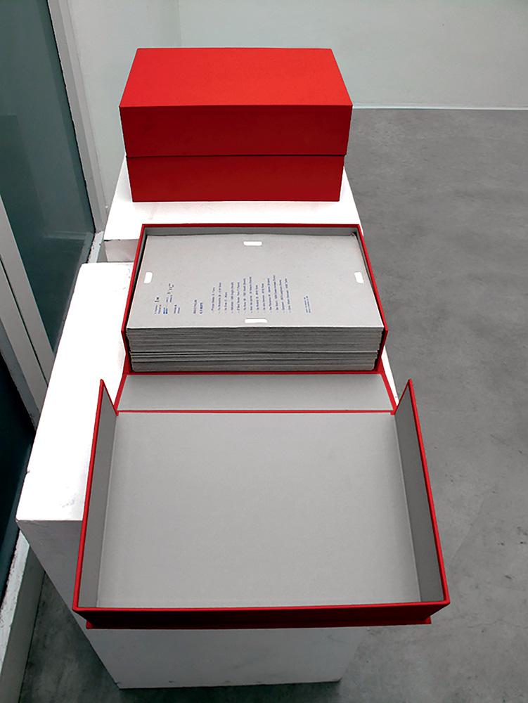 Dossier postale, 1969-70, fotocopie contenute in 181 fascicoli di cartoncino stampato tipograficamente e timbrato, 35X 25,5cm caduno